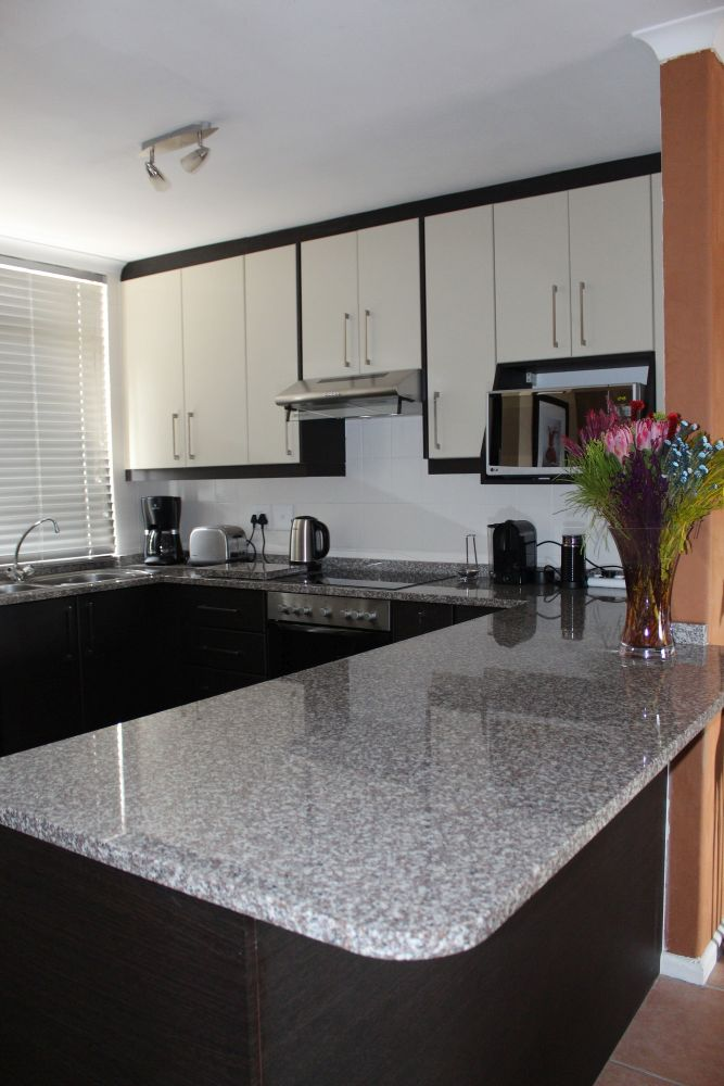 Diycupboards diy kitchen units cape town do it yourself 2 tone 4 solutioingenieria Images